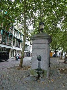 Waterpomp op de Mariaplaats, Rijksmonument.