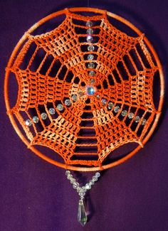 Variegated Orange Sun/DreamCatcher... | Flickr - Photo Sharing! Crochet Feather, Crochet Dreamcatcher, Crochet Flowers, Crochet Earrings Pattern, Crochet Mandala Pattern, Crochet Patterns, Crochet Mandela, Diy Dream Catcher Tutorial, Doily Art