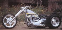 Zoom on Chopped 3 wheeler motorcycle Photo