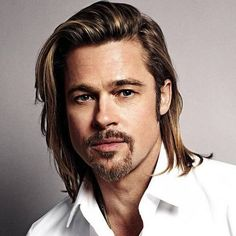 How to Get Brad Pitt's Hairstyle - Every Major Haircut Included! | Outsons | Men's Fashion Tips And Style Guide For 2020 Ethnic Hairstyles, Modern Hairstyles, Hairstyles Haircuts, Haircuts For Men, Brad Pitt Short Hair, Brad Pitt Haarschnitt, Brad Pitt Fury Haircut, Fight Club Brad Pitt, Hair And Beard Styles