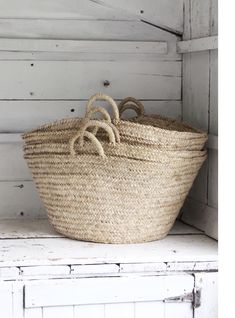 Sisal, Jute, French Baskets, Farmhouse Style, Industrial Farmhouse, White Cottage, Cozy Living, Decor Crafts, Home Decor