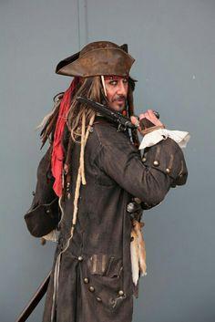 Captain Jack Sparrow Look-alike #captainjacksparrowlookalike #jacksparrowlookalike #midlandsjacksparrow #derbyjacksparrow #matlockbathjacksparrow #cosplay #piratesofthecaribbean #piratesofthecaribbeancosplay #jacksparrowcosplay #captainjacksparrowcosplay  #charatersforhire #jacksparrowforhire #ukjacksarrow