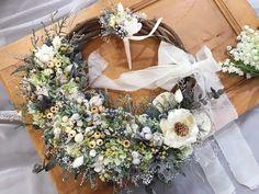 ブライダルオーダー リースブーケ&ブートニア  プリザーブドフラワーとドライフラワーで制作◟̆◞̆  オーダー承ります❁*·⑅ Floral Wreath, Wreaths, Photo And Video, Instagram, Decor, Atelier, Flower Crowns, Door Wreaths, Decorating