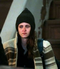 Kristen Stewart on set NYC Psych Movie, Victorious Cast, Kristen Stewart Movies, Kirsten Stewart, Crying Girl, Angus Young, Bella Swan, Film Inspiration, Instagram And Snapchat