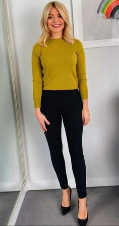 Best Ideas For Womens Fashion Simple Casual Shoes Simple Work Outfits, Best Casual Outfits, Smart Casual Outfit, Business Casual Outfits, Smart Casual Women Office, Casual Shoes, Work Casual, Smart Casual Women Winter, Simple Office Outfit