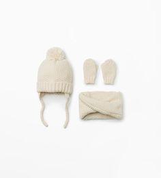 Mütze, Schal und Handschuhe von Zara
