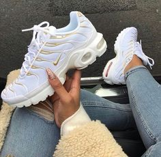 Top 10 Dashing Nike Air Max Plus Sneakers - Page 3 of 10 - WassupKicks Nike Air Max Plus, Tenis Nike Air Max, Nike Air Max Tn, Nike Air Max White, Dr Shoes, Cute Shoes, Me Too Shoes, Shoes Jordans, Trendy Shoes