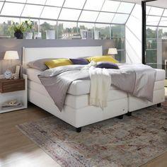Boxspringbett in weißer Textilfarbe mit schwarzen Füßen Bed, Furniture, Home Decor, Homemade Home Decor, Stream Bed, Home Furnishings, Beds, Decoration Home, Arredamento