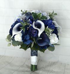 Planning A Fantastic Flower Wedding Bouquet – Bridezilla Flowers Navy Wedding Flowers, Wedding Flower Arrangements, Flower Bouquet Wedding, Wedding Centerpieces, Floral Arrangements, Lys Calla, Calla Lily Bouquet, Navy Bouquet, Silk Flowers