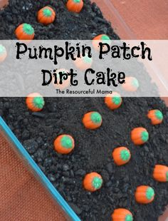 Pumpkin Patch Dirt Cake is a quick and easy no bake dessert for family dinners and gatherings this fall. Pumpkin Patch Dirt Cake is a quick and easy no bake dessert for family dinners and gatherings this fall. Halloween Snacks, Dessert Halloween, Halloween Dinner, Halloween Goodies, Fall Halloween, Halloween Baking, Halloween Chocolate, Halloween Birthday, Halloween 2018