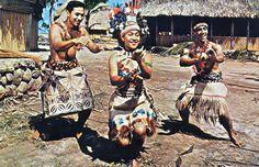 Samoan Taupou doing the Taualuga Siva.