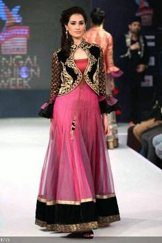 It seems that Salwar kameez designs are latest trend in the market. Even the designers are working on salwar suit designs. Before posting the article I have to search for latest salwar kameez designs for this post. Pakistani Dresses, Indian Dresses, Indian Outfits, Indian Clothes, Indian Bridal Wear, Indian Wear, Indian Style, Short Jackets For Dresses, Designer Sarees Online