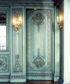 Into a fairytale... – Greige Design | The hidden entrance to my dream dressing space! #secretcloset #hiddencloset