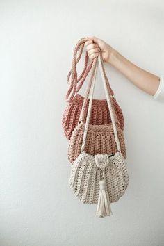 Bag Crochet, Crochet Shell Stitch, Crochet Handbags, Crochet Purses, Love Crochet, Crochet Clothes, Crochet Designs, Crochet Patterns, Hand Knit Bag