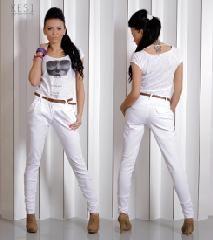 nohavice  Predstavujeme vám kužeľových spodné nohavice. Nohavice majú dve vrecká na prednej strane a dva na zadnej strane. Remienok je znázornené na obrázku je pripojená k nohavíc. http://www.cosmopolitus.com/spodnie-kieszenie-pasek-p-104834.html?language=sk&pID=104834 #sveter #skapucnou #sportove #oblecenie #teplaky #kapucna #elegantne #tunika #saty