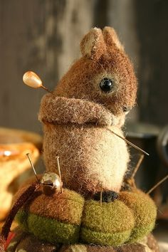 felted mouse on acorns