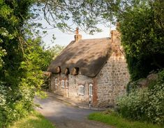 Faerie Door Cottage Thatched Roof Wiltshire England Holiday Rental (1)