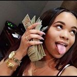 Find images and videos about girl, luxury and money on We Heart It - the app to get lost in what you love. Estilo Gangster, Gangster Girl, Make Easy Money, How To Get Money, Thug Girl, Mo Money, Money Bank, Earn Money, Money On My Mind