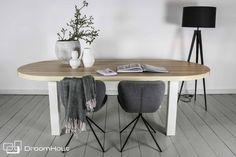 Trendy en strakke vergadertafel van olijfessen