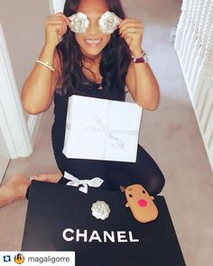 Another great picture of Magali Gorré wearing her Jacy&Jools family bracelet! Can't tell you how happy we are that she loves wearing it so much. Happy Chanel Christmas Magali - loving the reindeer case too! #lovelylady #ourfaveRHOC #Repost @magaligorre with @repostapp.  How stylish is #santa this year again ... thanks  helpers @deangorre @kenjigorre @quintengorre @chanelofficial @selfridges_exchange 3xChanel #Cheshire #Altrincham #Knutsford #Wilmslow #AlderleyEdge #HaleBarns #Hale #Bowdon…