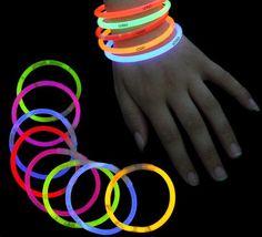 100 Knicklichter bunt gemischt mit Verbinder, Leuchtarmband, Arm Knick licht, Leuchtstab. glow stick