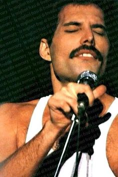 Freddie Mercury. Queen 1980s.