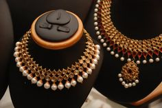 Black And Gold Jewelry Refferal: 9448855659 Buy Gold Jewellery Online, Real Gold Jewelry, Pearl Jewelry, Wedding Jewelry, Antique Jewelry, Jewelery, Bling Jewelry, Antique Gold, Beaded Jewelry