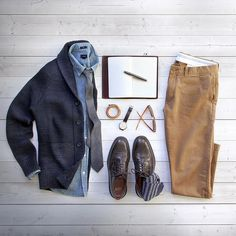 Officially time to start working on my Christmas list  #christmas  Notebook: @tannergoods Cognac cover and sketchbook  Pen: @tannergoods stainless steel Memori Pen  Cardigan/Tie: @bananarepublic  Watch: @uniformwares C40 cordovan strap  Socks: @americantrench  Shirt/Chinos/Shoes: @jcrew  Bracelet: @miansai by thepacman82