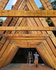 Trio 120 going up in California A Frame Cabin, A Frame House, Tiny Container House, Log Homes Exterior, Triangle House, Jungle House, Affordable Housing, Kit Homes, House In The Woods