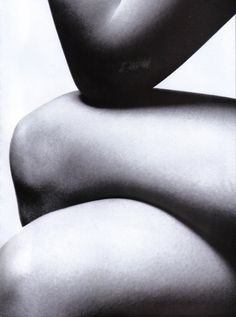 BODY SCULPTURE  Vogue Italia March 2003