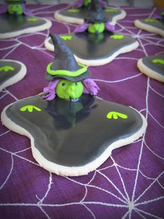 Melting Wicked Witch of the West Cookies ~ recipe & how-To