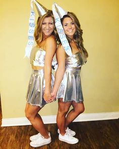 Group Halloween costumes for women; Halloween costumes for teens; Halloween costumes for girls; Cute Halloween Costumes For Teens, Best Friend Halloween Costumes, Halloween Look, Hallowen Costume, Fete Halloween, Easy Costumes, Halloween Ideas, Women Halloween, Costumes Kids