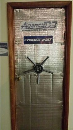 Agency Evidence Vaults - or safe where bad bad guys store their weapons Geheimagenten Party, Party Props, Party Ideas, Estilo James Bond, Mission Impossible Theme, Summer Camp Themes, Summer Fun, Secret Agent Party, Spy Birthday Parties