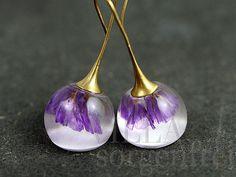 Schwebende echte Rittersporn Ohrringe