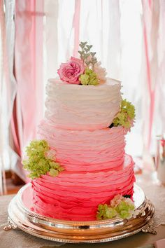 i am in love with ombre cakes