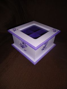 Caja de Té cuatro divisiones tapa de vidrio. Personalizada