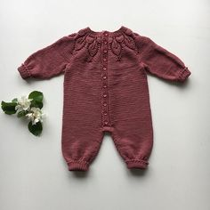 Annettewalders Fra Strålende Sol, Til S Sandnesgarn - Kids - maallure Sewing Baby Clothes, Knitted Baby Clothes, Baby Kids Clothes, Winter Knitting Patterns, Knitting For Kids, Sewing For Kids, Toddler Outfits, Girl Outfits, Baby Sleepers