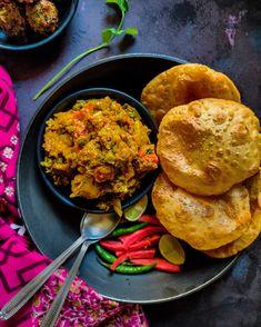 Gujarati Recipes, Indian Food Recipes, Asian Recipes, Gujarati Food, Ethnic Recipes, Food Plating, Plating Ideas, Traditional Indian Food, India Food