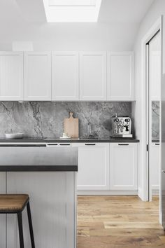 SOUTH YARRA – Bathroom and Kitchen Renovations and Desig… Grey marble splashback. SOUTH YARRA – Bathroom and Kitchen Renovations and Design Melbourne – GIA Renovations - High Quality Marble Kitchens Classic Kitchen, New Kitchen, Kitchen Decor, Kitchen Grey, Kitchen Ideas, Decorating Kitchen, Black And Grey Kitchen, Chevron Kitchen, Kitchen Centerpiece