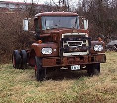Rescue worthy Brockwa Looks like a 761 model, Mine was a Green 1972 dump with BIG highway plows, never got to a pile of snow it would not move.