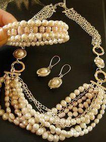 17 Free Online Beaded Bridal Jewelry Patterns. #DIY #bridal #jewelry