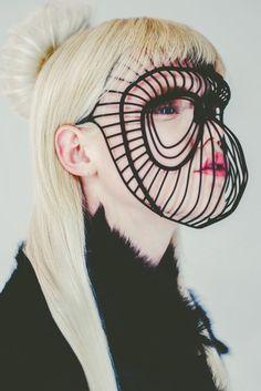 Fernanda Fernandes | QUINTO SIMIA Looks Halloween, Face Jewellery, Eiko Ishioka, Fashion Mask, Body Adornment, Future Fashion, Mask Design, Headgear, Headdress