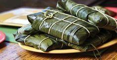 HALLACAS (SEGUN RECETA DE ARMANDO SCANNONE) INGREDIENTES: (60 hallacas) Para el guiso: 200 gramos de masa de maíz 3 kilos de pernil