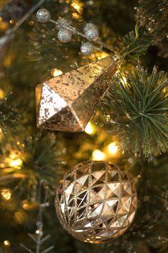 Christmas 2019 : Christmas Catalog 2019 The Home Depot Noel Christmas, Christmas Items, Christmas 2017, Christmas Bulbs, Christmas Decorations, Holiday Decor, Home Depot, Good Night Flowers, Christmas Cushions