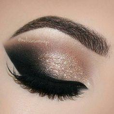 WEBSTA @ melissasamways - Rose Gold Glam Cat Smokey Eyes Makeup Tutorial | Melissa Samways Link in my Bio Subscribe Link na minha Bio Inscreva-se Eyelashes Sasha@hudabeautyBrushes and Gel Eyeliner Wicked Lane Orr(Use my code MELISSASB for 10% off in any purchase in http://ift.tt/2CjqN63 TERRIE HILL#Melissasamways #beautytrending #tutorialnow #showtutorials #videosfast #makeupfans #stylishvids #videosglam #fashionfilms #wonderfultutorial #funtutorial #sty...