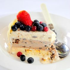 Scrumptious South Africa: Layered Christmas Ice-Cream Cake with White Chocolate…