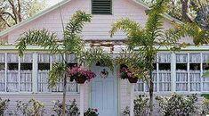 Coastal style – Coastal Beach Home Decor Beach Cottage Style, Coastal Style, Beach House, Coastal Living, Coastal Decor, Surf Shack, Beach Shack, Surfing Tips, Surfer Style