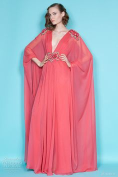 Celebrities who wear, use, or own Marchesa Couture Plunging-V Caftan Gown. Also discover the movies, TV shows, and events associated with Marchesa Couture Plunging-V Caftan Gown. High Fashion, Fashion Show, Fashion Design, Runway Fashion, Marchesa Fashion, Bridesmaid Dresses, Prom Dresses, Bridesmaids, Bridal Dresses