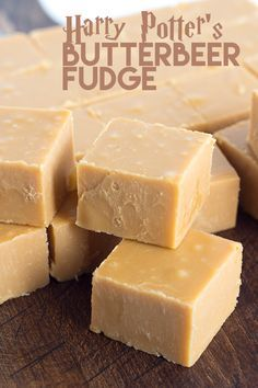 Harry Potter's butterbeer fudge is so amazing. It's like a combo of butter rum and butterscotch. Harry Potter's butterbeer fudge is so amazing. It's like a combo of butter rum and butterscotch. Fudge Recipes, Candy Recipes, Sweet Recipes, Dessert Recipes, Dinner Recipes, Fudge Flavors, Bake Sale Recipes, Bread Recipes, Christmas Desserts Easy