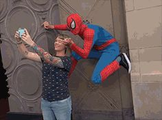 This is how the amazing spiderman earns money via /r/funny. Dc Memes, Funny Memes, Funny Gifs, Funny Tweets, Beste Gif, Rasengan Vs Chidori, Eren X Mikasa, Spideypool, Superfamily
